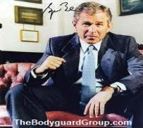 president_george_bush_signed_photo_to_the_bodyguard_group_of_beverly_hills-203x182